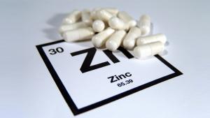 亜鉛をサプリメントで摂取する人も増えています。