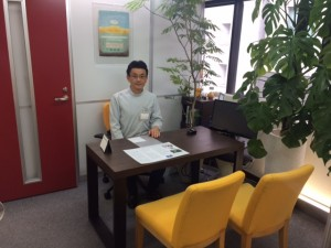 薬局長の鈴木先生です。