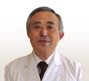 院長の本山先生です。